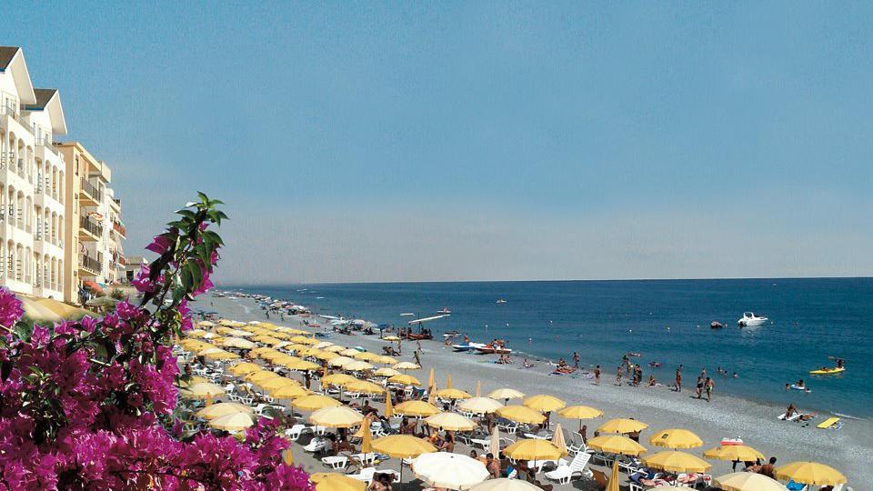 seapalace_spiaggia_2.jpg